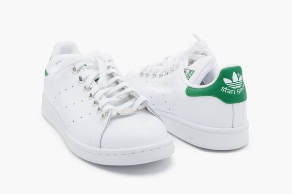 These are stan smiths from Adidas Originals!