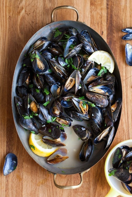 how to clean mussels shells