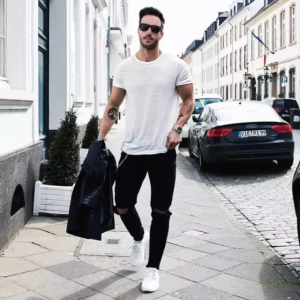 What Are Some Good Clothes For Men That Look Simple But Stylish I