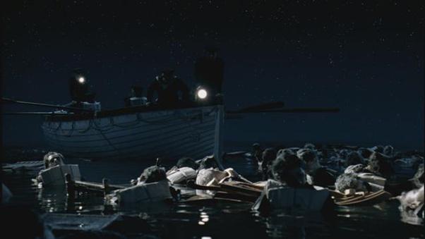 banyak sekoci dari kapal titanic yang tenggelam