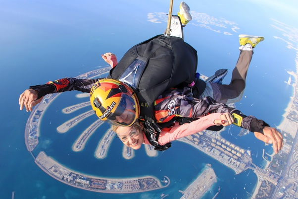 What is it like to go skydiving in Dubai? - Quora