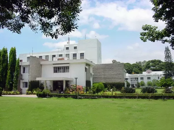 The Indian Institute of Astrophysics has become one of India's top-notch  colleges dedicated to research in astronomy, astrophysics and related  physics.