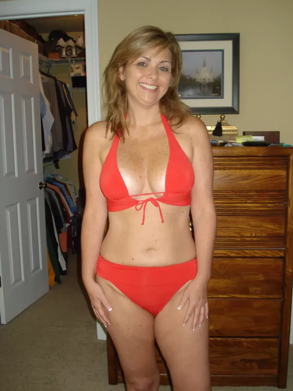 amateur nude women in their forties