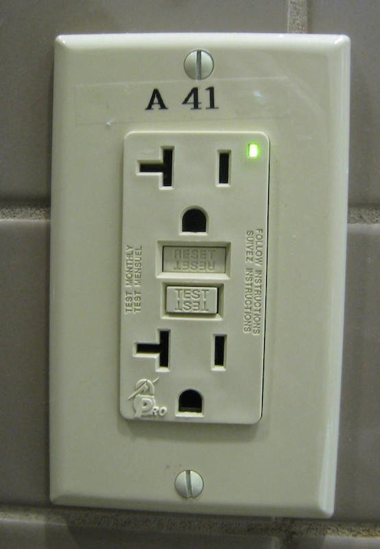 Can electrical switches somehow have vacuums at the point of contact ...