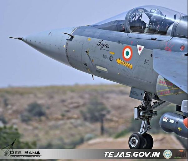 Which would win in a dogfight between LCA Tejas and the JF