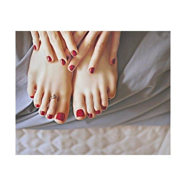 Does the polish on your toes match your fingers? - Quora