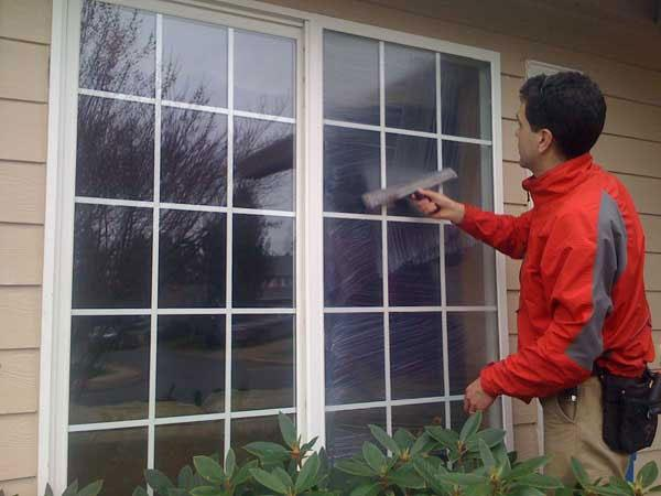 What Are Easy Ways To Clean Dusty Mosquito Window And Door