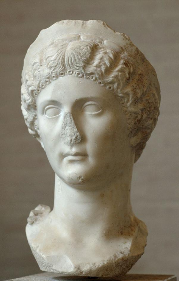 Review caligula berlin Was Caligula