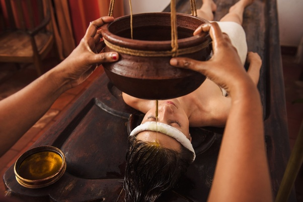 Which are the cheap and best Ayurveda centers in Kerala