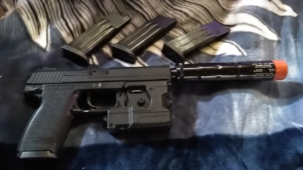 What is the best non Blowback airsoft pistol? What makes it
