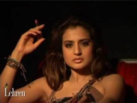 Riya Sen Smoking