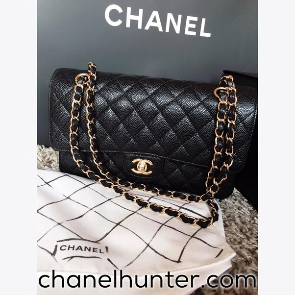 00d12b1f94dee7 However, you can still have the same attention and glory when you walk  around with a Chanel Replica handbag.