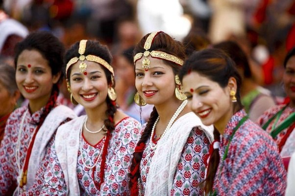 How do Nepalese people look like?