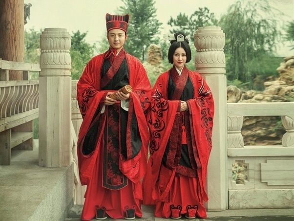Here S What Real Traditional Wedding Clothing Look Like For Han Chinese Which Is The Majority Potion In China And Had Ruled At Least 4000