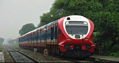 What are the MEMU EMU DMU trains? How does it work? - Quora