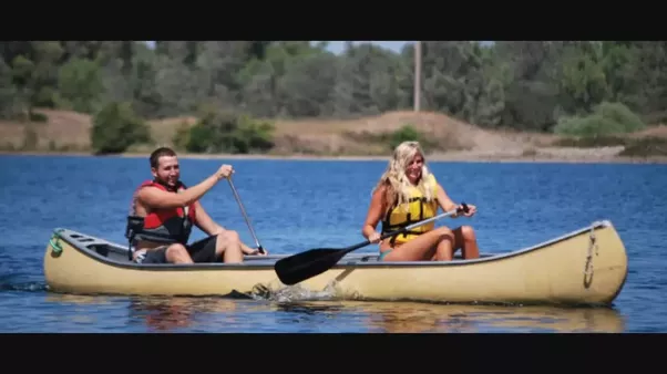 What Is Difference Between Rowing Canoeing And Kayaking