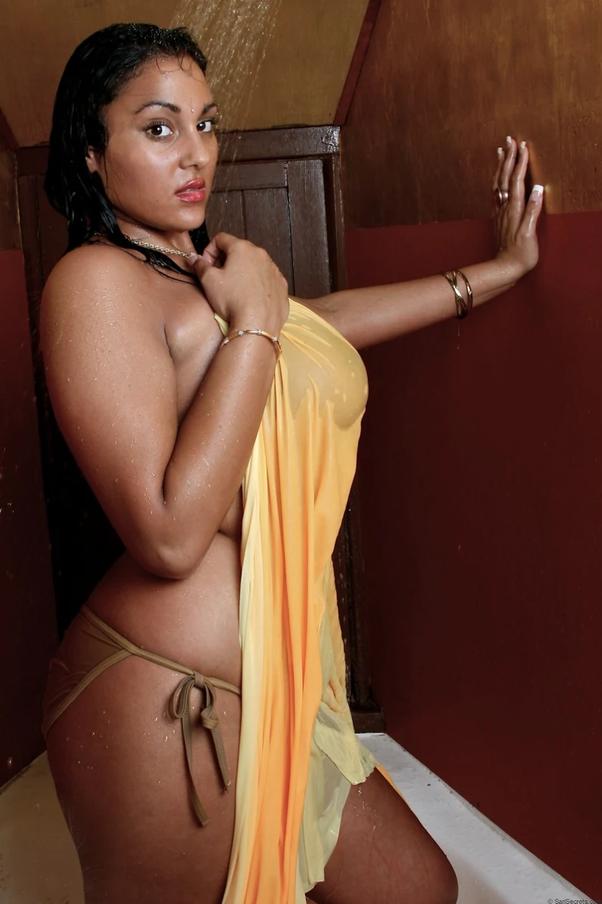 indian-girl-wet-big-boogs
