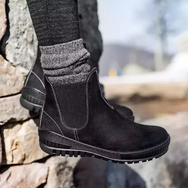 What kind of winter boots can I wear all day? - Quora