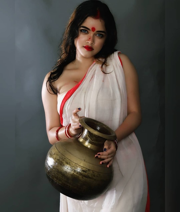 Do You Prefer Wearing A Bra Or Without Bra While Wearing A Saree Blouse - Quora-3502