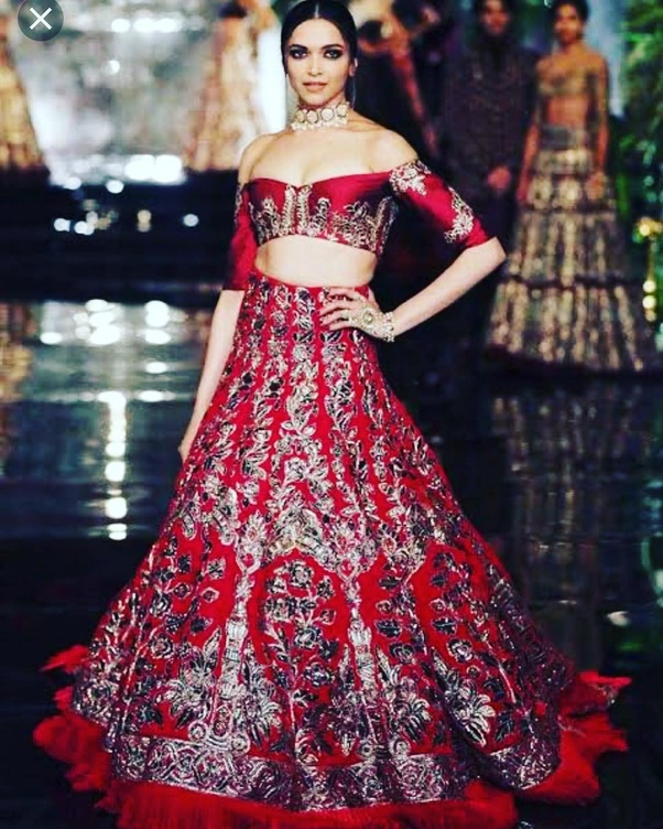 Which is the best dress worn by Deepika Padukone ever? - Quora