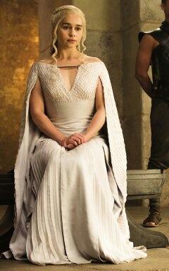 Happy 29th birthday to our wonderful Daenerys Targaryen
