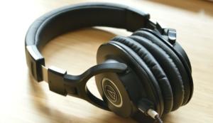How to make my iPhone headphones louder - Quora