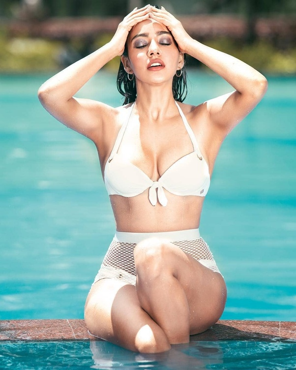 Which Is The Sexiest Pics Of Bollywood Actress - Quora-7384