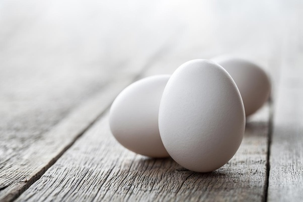 What is the difference between Desi eggs, farm eggs, and