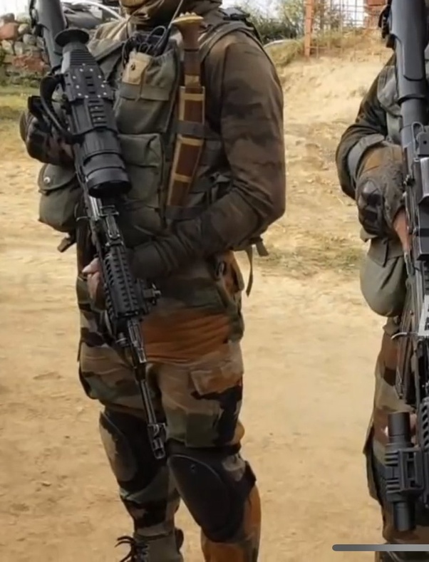 Indian army Ghatak Platoon with FAB AKM attached with Ek thermal sight