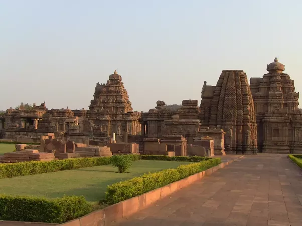 What are the best places to visit on a 3 day trip in and around the picture is of the temple complex at pattadkal which is recognized as world heritage site by unesco pattadakal also served as the capital of chalukyas fandeluxe Image collections