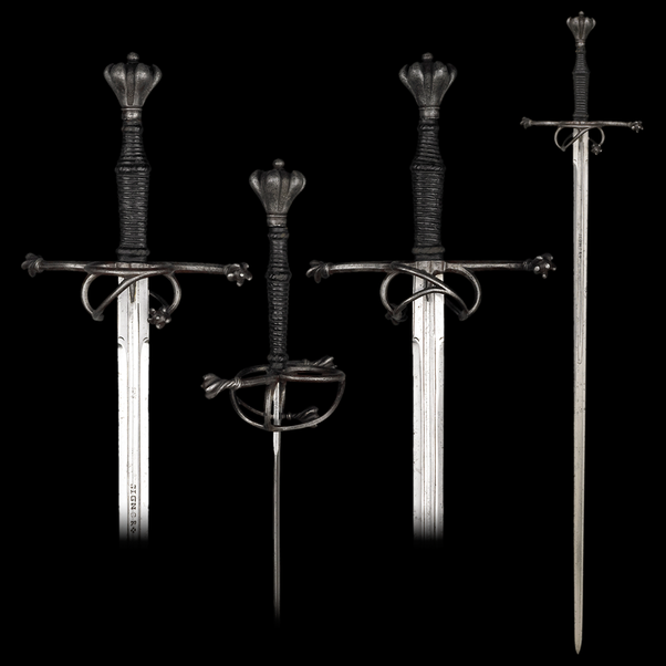 What is the difference between a broadsword and a longsword