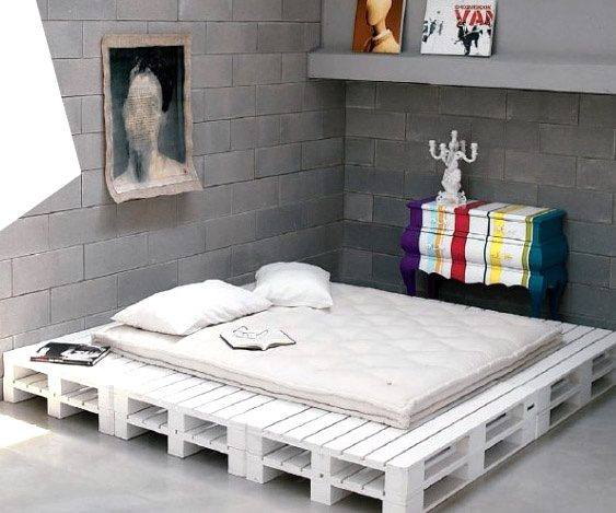 The Pallet Bed   At First Point Itu0027s A Fresh Design Idea And Can Crack The  Monotonous Look Of Any Room. However, When We Look Twice, There Is A Lot  More To ...