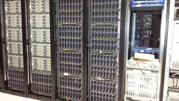 how to get a data center job